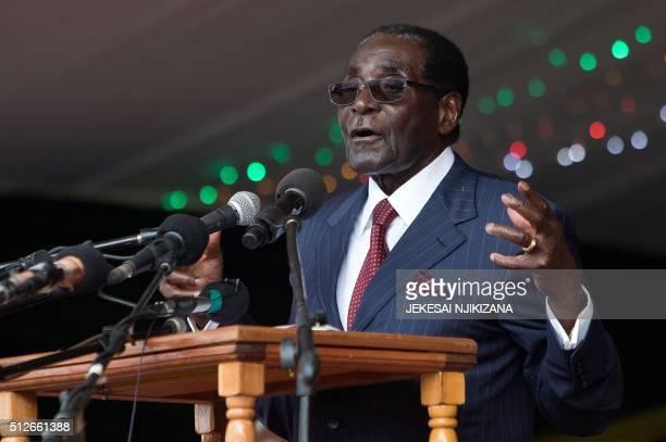 Zimbabwe's President Robert Mugabe delivers a speech during celebrations marking his birthday in Masvingo on February 27 2016 / AFP PHOTO / Jekesai...