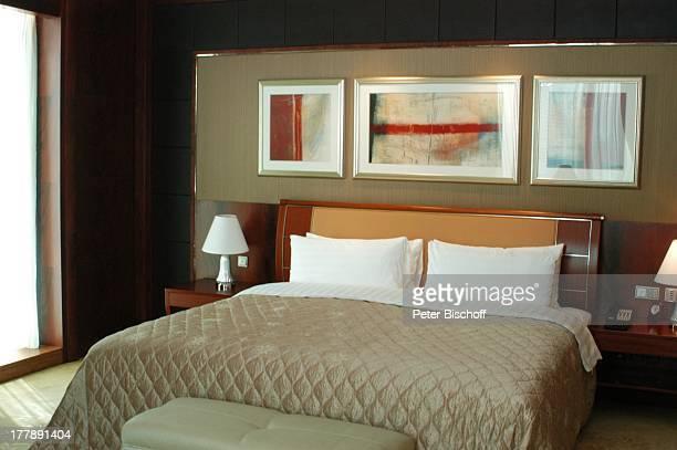 Zimmer im Peace Hotel Shanghai China Asien Reise Bett Kissen Bilder MW/JB
