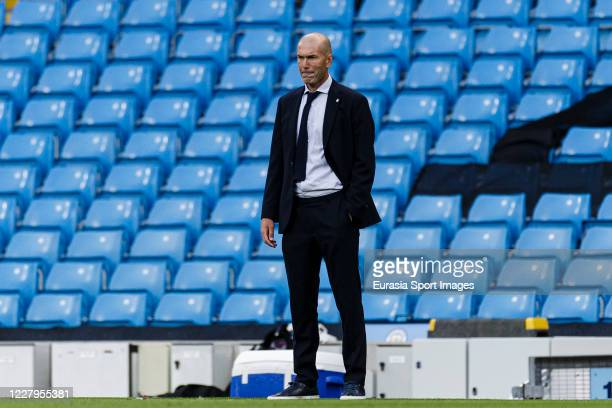 Zinedine Zidane Head Coach of Real Madrid during the UEFA Champions League round of 16 second leg match between Manchester City and Real Madrid at...