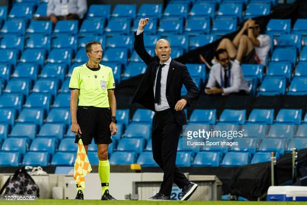 Zinedine Zidane Head Coach of Real Madrid gestures during the UEFA Champions League round of 16 second leg match between Manchester City and Real...