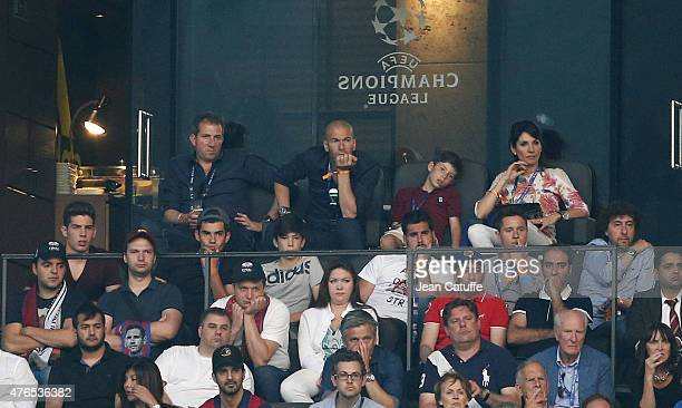 Zinedine Zidane his younger son Elyaz Zidane his wife Veronique Zidane and his 3 other sons below him on the left Luca Zidane Enzo Zidane and Theo...
