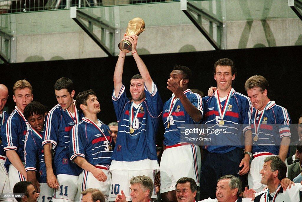 Soccer - 1998 World Cup - Final - France vs Brazil : News Photo