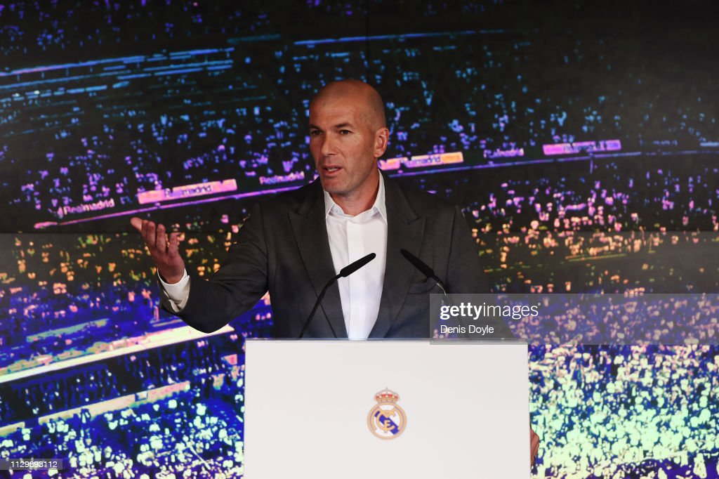 Real Madrid Unveil New Manager Zinedine Zidane : News Photo