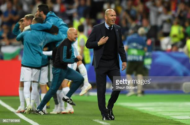Zinedine Zidane, Manager of Real Madrid celebrates as Gareth Bale of Real Madrid scores his sides second goal during the UEFA Champions League Final...