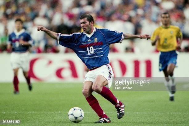 Zinedine Zidane of France during the Soccer World Cup Final between Brazil and France on July 12 1998 in Paris Saint Denis France Eric Renard / Onze...