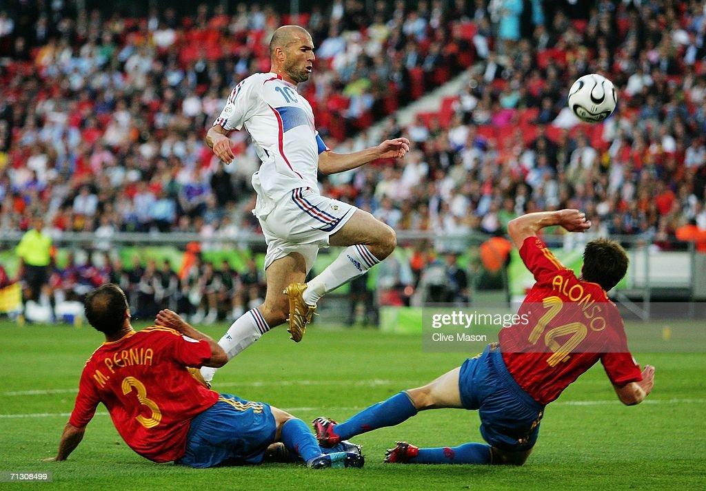 Round of 16 Spain v France - World Cup 2006 : News Photo