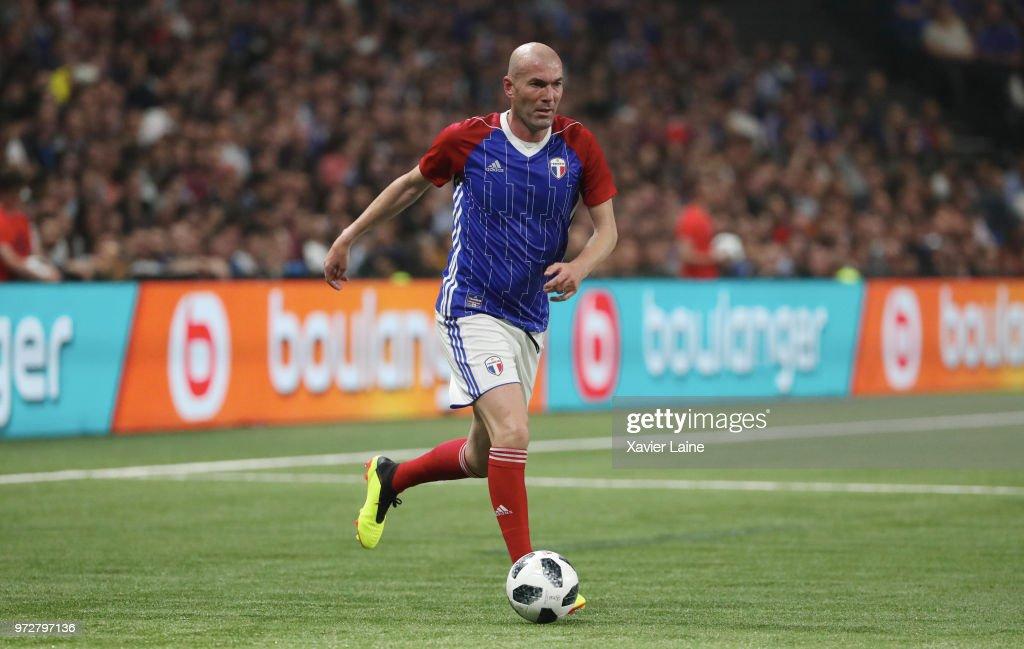 France 98 v FIFA 98 : News Photo