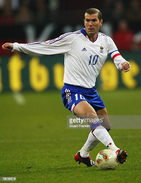 Zinedine Zidane of France in action during the International friendly match between Germany and France on November 15, 2003 at The Arena Auf Schalke,...
