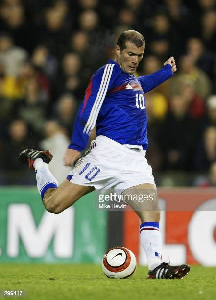 Zinedine Zidane of France on the ball during the International Friendly match between Belgium and France at the King Badouin Stadium on February 18...
