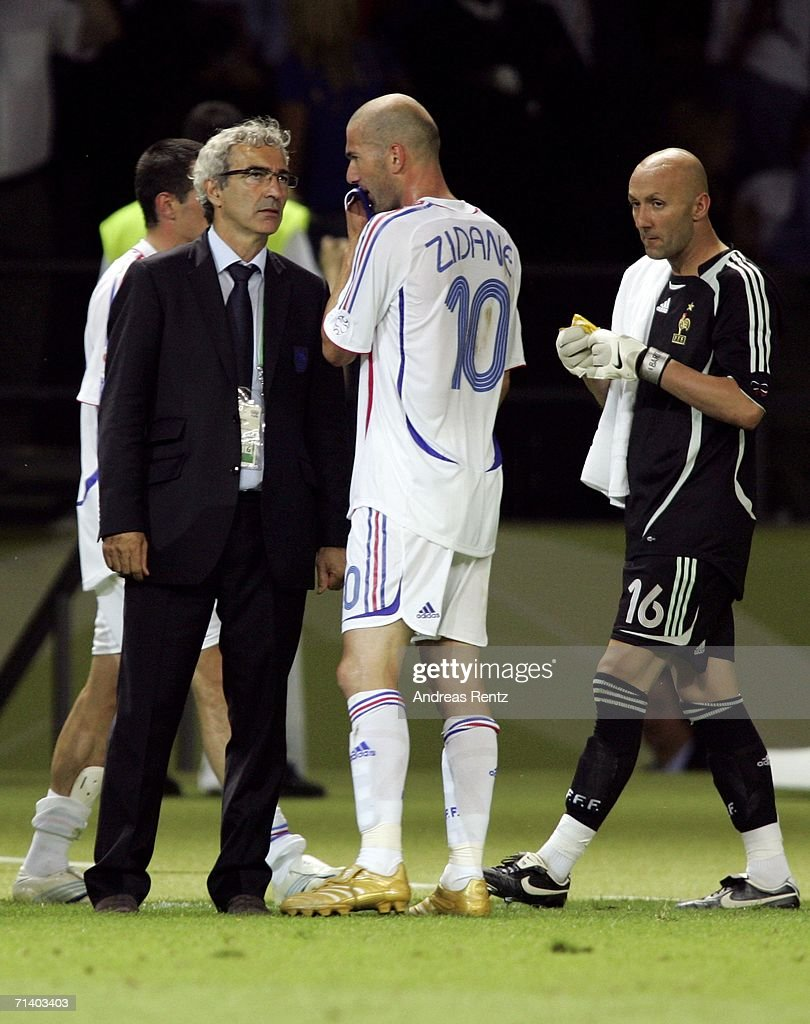 Zinedine Zidane Of France Speaks With Raymond Domenech The Coach Of News Photo Getty Images