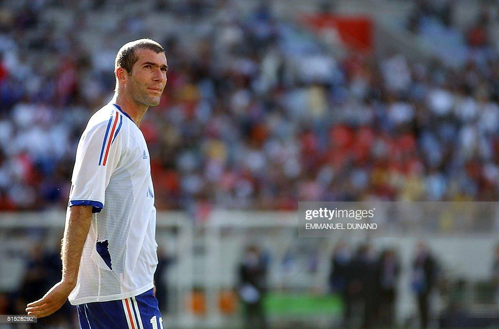 Zinedine Zidane of France walks off the pitch afte : News Photo