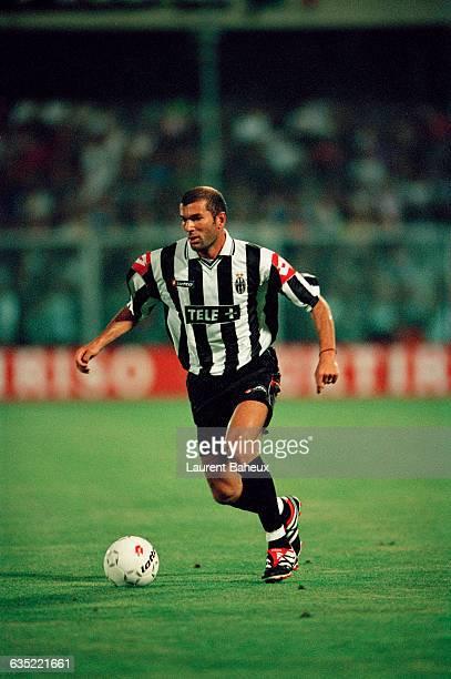 Zinedine Zidane playing for Juventus Turin
