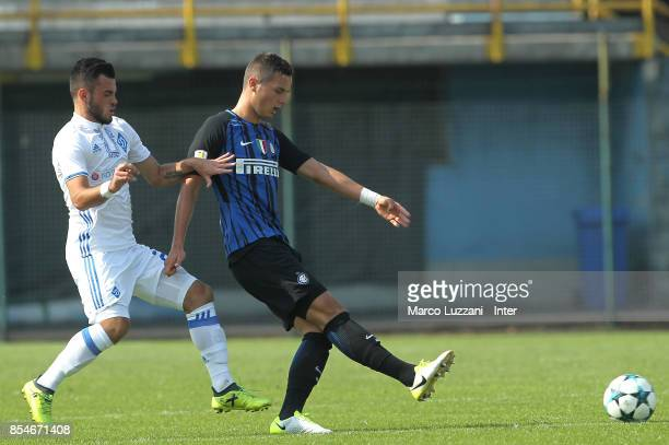 Zinho Vanheusden of FC Internazionale competes for the ball with Serhiy Buletsa of Dynamo Kiev during the UEFA Youth League Domestic Champions Path...