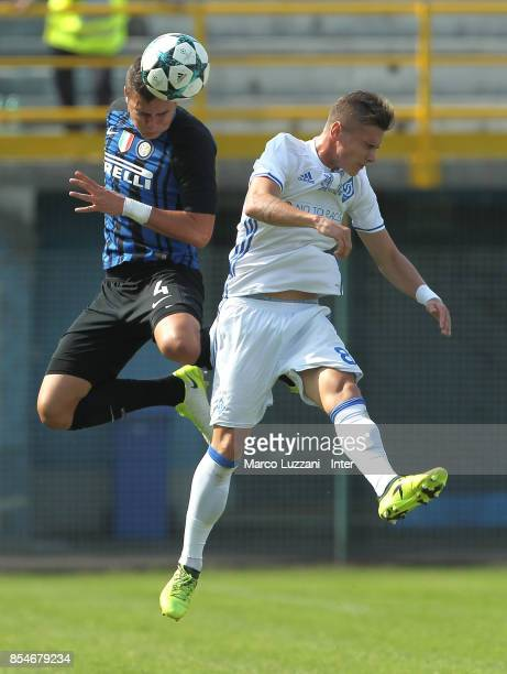 Zinho Vanheusden of FC Internazionale competes for the ball with Denys Yanakov of Dynamo Kiev during the UEFA Youth League Domestic Champions Path...