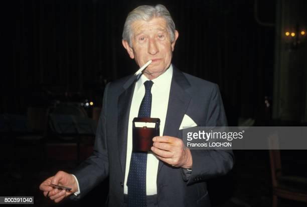 Zino davidoff présente ses cigarettes le 12 décembre 1985, en France.