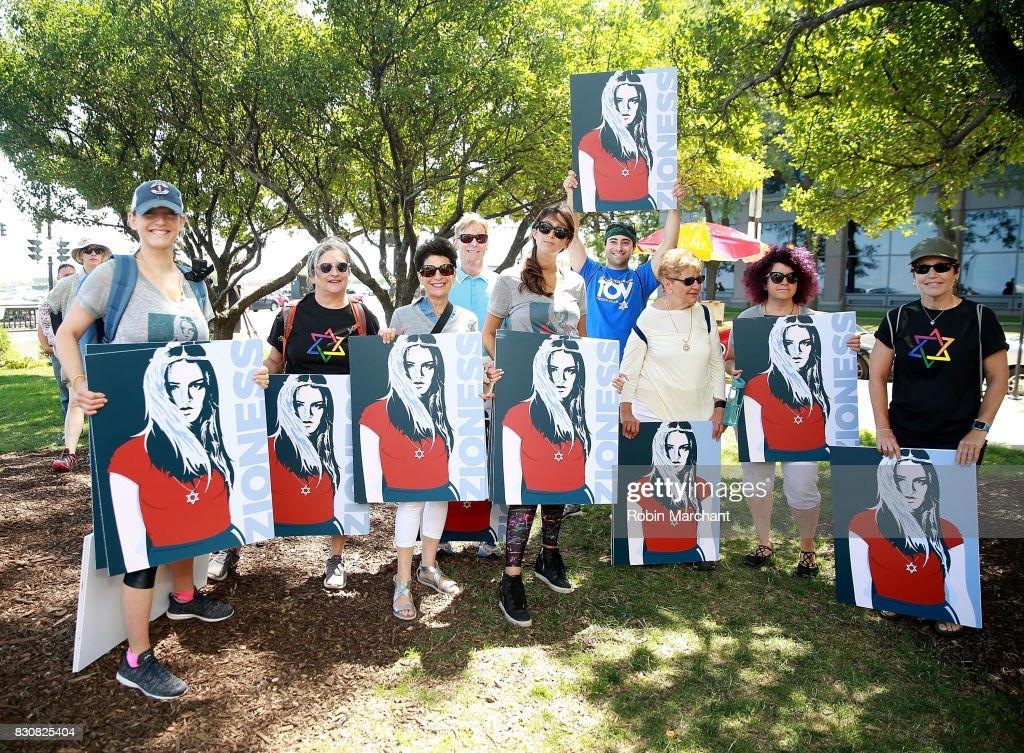 Zioness Movement Marches with Chicago SlutWalk : News Photo
