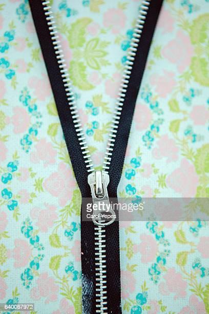 zipper in a floral pattern