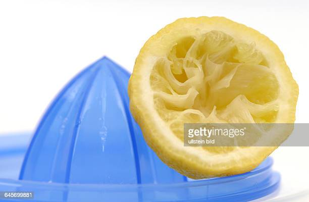 Zitrone Zitronen auspressen Saft Zitronensaft Vitamine Vitamin C Steuern ausquetschen Steuerzahler Presse Zitronenpresse