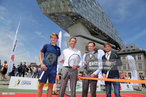 Zizou BERGS, Port of Antwerp CEO Jacques VANDERMEIREN, Antwerp Mayor Bart DE WEVER and David GOFFIN during a exhibition game in the Havenhuis in...
