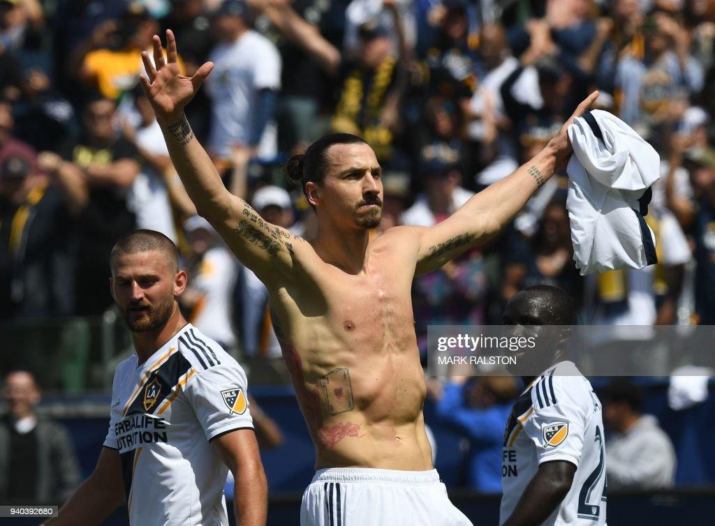 FBL-MLS-GALAXY-LAFC : News Photo