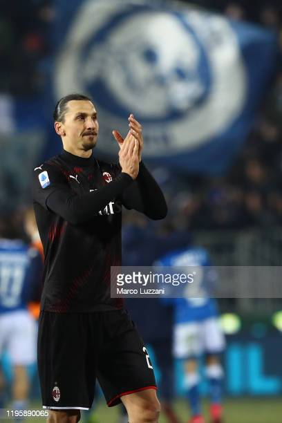 Zlatan Ibrahimovic of AC Milan celebrates a victory at the end of the Serie A match between Brescia Calcio and AC Milan at Stadio Mario Rigamonti on...