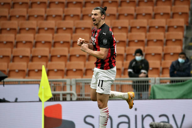 Zlatan Ibrahimovic of AC Milan celebrates after scoring the his team's first goal during the Serie A match between AC Milan and FC Crotone at Stadio...
