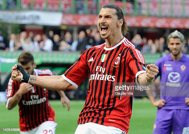 Zlatan Ibrahimovic of AC Milan celebrates after scoring the opening goal during the Serie A match between AC Milan and ACF Fiorentina at Stadio...