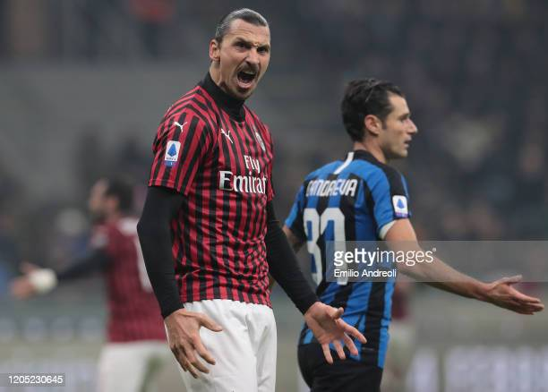 Zlatan Ibrahimovic of AC Milan celebrates during the Serie A match between FC Internazionale and AC Milan at Stadio Giuseppe Meazza on February 9,...