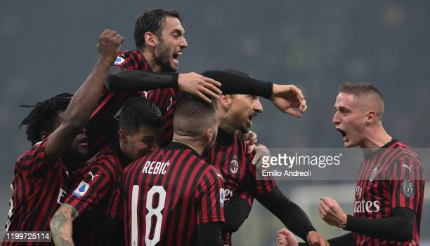 Zlatan Ibrahimovic of AC Milan celebrates his goal with his team-mates during the Serie A match between FC Internazionale and AC Milan at Stadio...