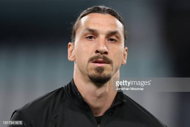 Zlatan Ibrahimovic of AC Milan during the warm up prior to the Serie A match between Juventus and AC Milan at Allianz Stadium on May 09, 2021 in...