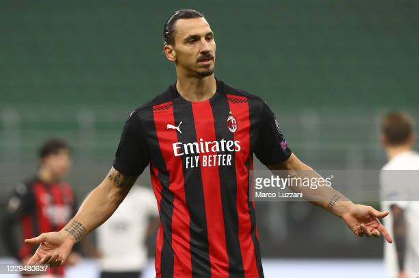 Zlatan Ibrahimovic of AC Milan gestures during the UEFA Europa League Group H stage match between AC Milan and LOSC Lille at San Siro Stadium on...