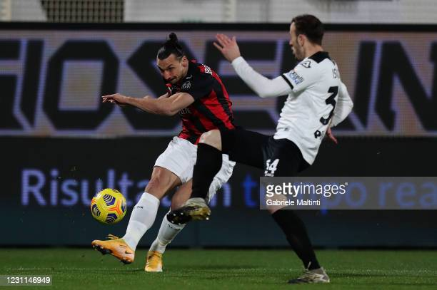 Zlatan Ibrahimovic of AC Milan in action during the Serie A match between Spezia Calcio and AC Milan at Stadio Alberto Picco on February 13, 2021 in...