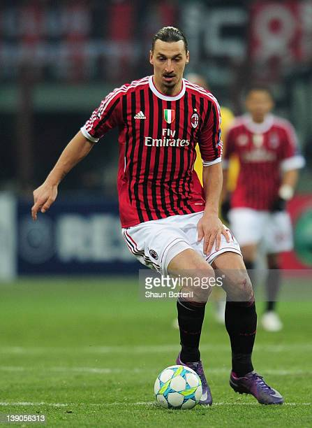 Zlatan Ibrahimovic of AC Milan in action during the UEFA Champions League round of 16 first leg match between AC Milan and Arsenal at Stadio Giuseppe...