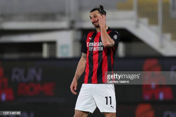 Zlatan Ibrahimovic of AC Milan shows his dejection during the Serie A match between Spezia Calcio and AC Milan at Stadio Alberto Picco on February...