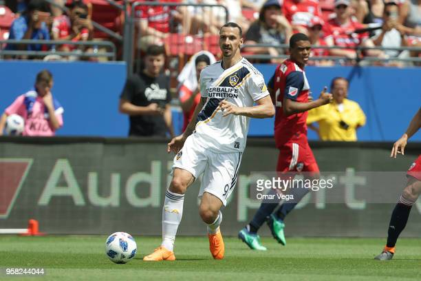 Zlatan Ibrahimovic of LA Galaxy plays the ball during the Major Soccer League match between Dallas FC and LA Galaxy at Toyota Stadium on May 12 2018...