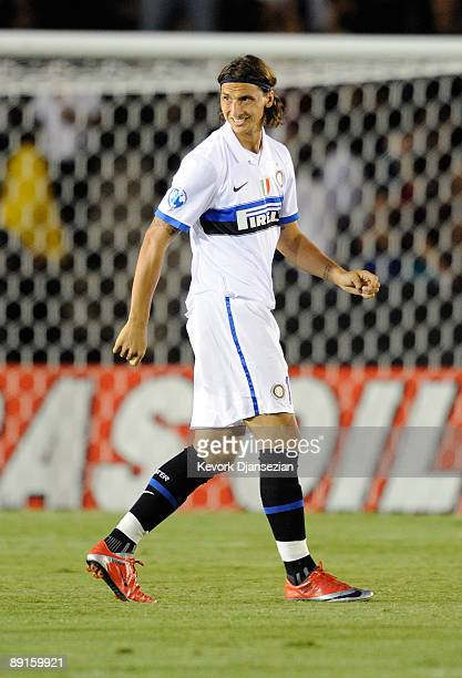 Zlatan Ibrahimovic of Inter Milan looks on after entering the game against Chelsea FC during the World Football Challenge at the Rose Bowl on July 21...