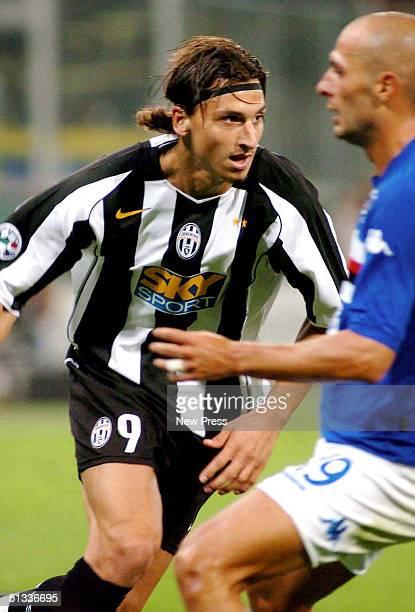 Zlatan Ibrahimovic of Juventus in action against Sampdoria during the Serie A match at Marassi Stadium September 22 2004 in Genova Italy