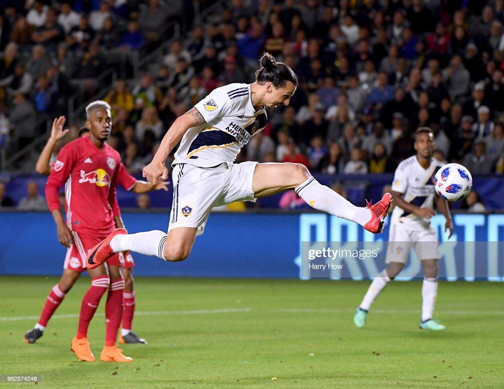 New York Red Bulls v Los Angeles Galaxy : News Photo