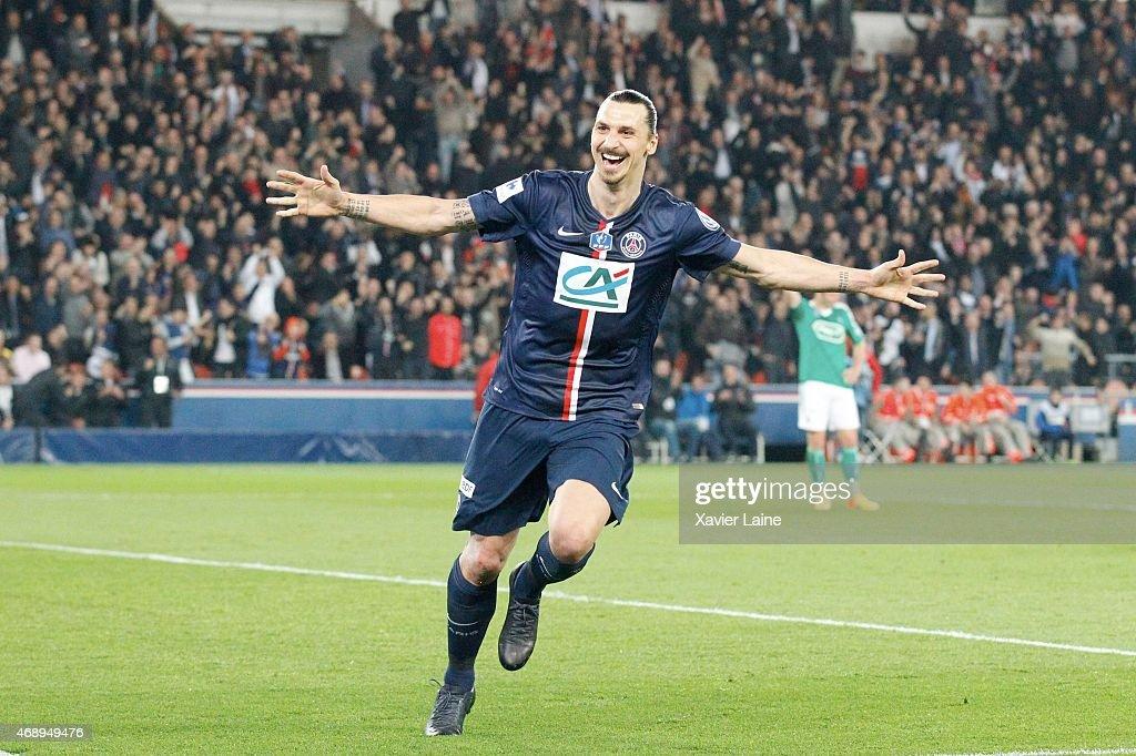 Paris Saint-Germain FC v ASSE Saint-Etienne - French Cup Semi-Final : News Photo