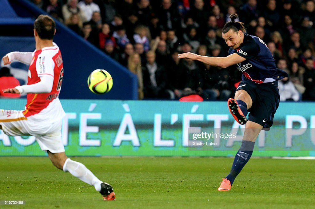 Zlatan Ibrahimovic of Paris Saint-Germain in action during the French Ligue 1 match between Paris Saint-Germain and AS Monaco at Parc des Princes on march 20, 2016 in Paris, France.