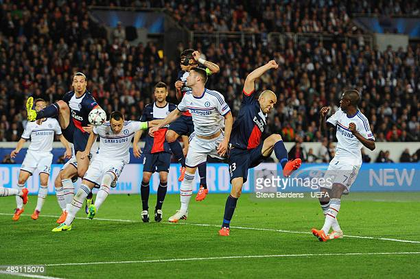 Zlatan Ibrahimovic of PSG and John Terry of Chelsea battle for the ball during the UEFA Champions League Quarter Final first leg match between Paris...