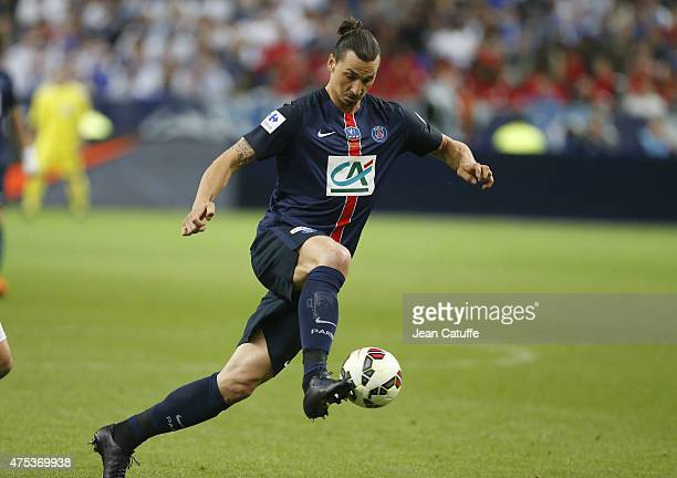 Zlatan Ibrahimovic of PSG in action during the French Cup Final between Paris SaintGermain and AJ Auxerre at Stade de France on May 30 2015 in...