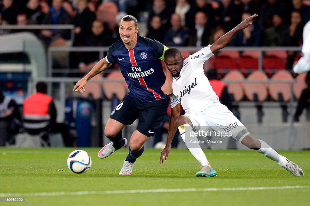 Zlatan Ibrahimovic of PSG in action during the Ligue 1 game between Paris Saint-Germain and EA Guingamp at Parc des Princes on September 22, 2015 in Paris, France.