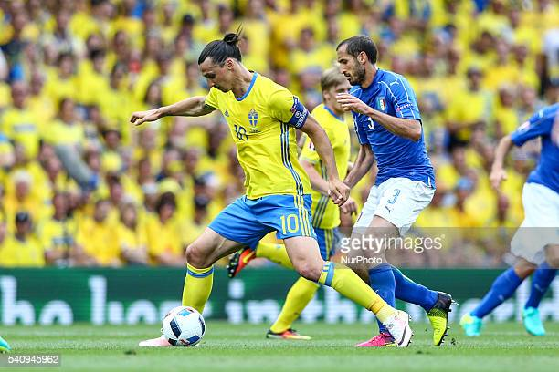 Zlatan Ibrahimovic of Sweden and Giorgio Chiellini of Italy fight for the ball during the UEFA EURO 2016 Group E match between Italy and Sweden at...
