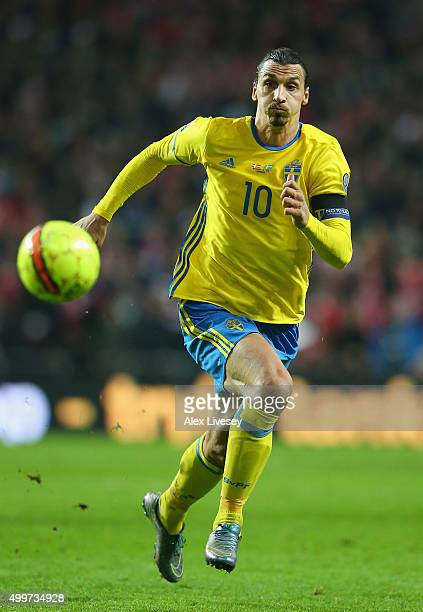 Zlatan Ibrahimovic of Sweden chases the ball during the UEFA EURO 2016 Qualifier PlayOff Second Leg match between Denmark and Sweden at Parken...