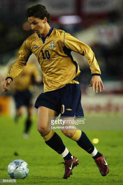 Zlatan Ibrahimovic of Sweden runs with the ball during the International Friendly match between Sweden and England held on March 31 2004 at Ullevi...