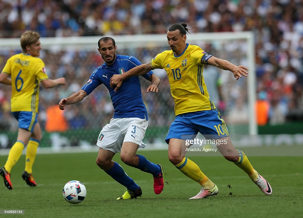 Italy v Sweden - Euro 2016 : News Photo
