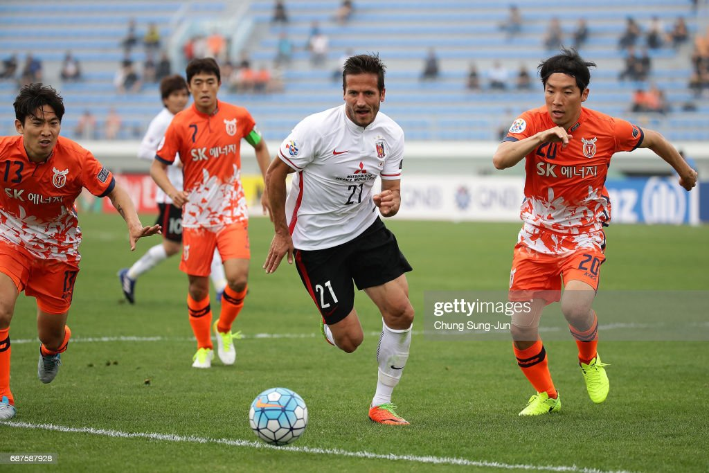 Jeju United FC  v Urawa Red Diamonds - AFC Champions League Round Of 16
