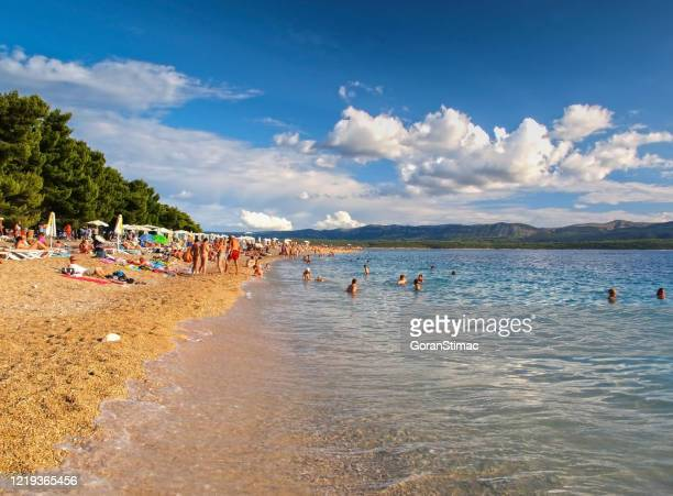 playa zlatni rat - zlatni rat fotografías e imágenes de stock