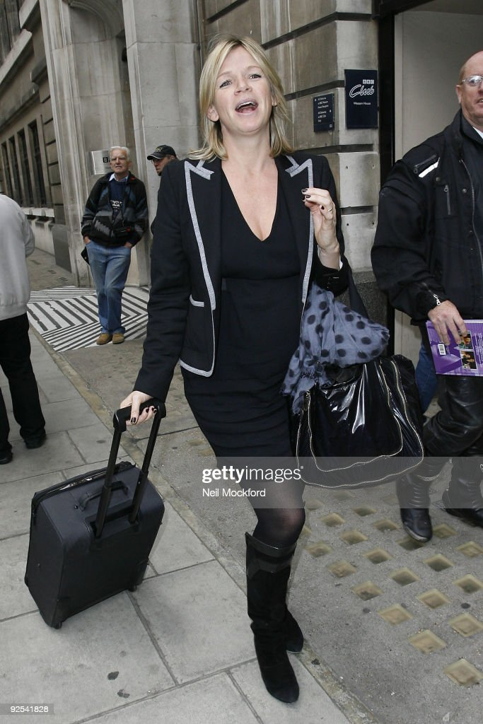 Celebrity Sightings In London - October 30, 2009 : News Photo